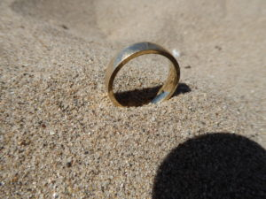 i got a call from david this afternoon about a lost wedding ring apparently the ring had been taken off so he could go into the water without losing it a - Lost Wedding Ring