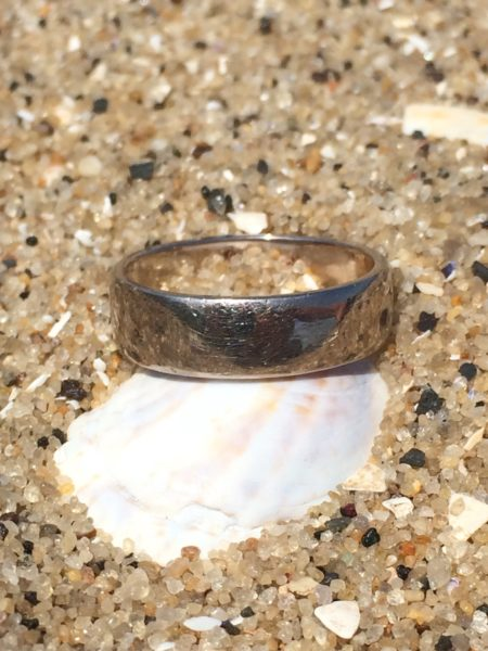lost wedding ring on popomoro point beach recovered by nj lost ring finder - Lost Wedding Ring